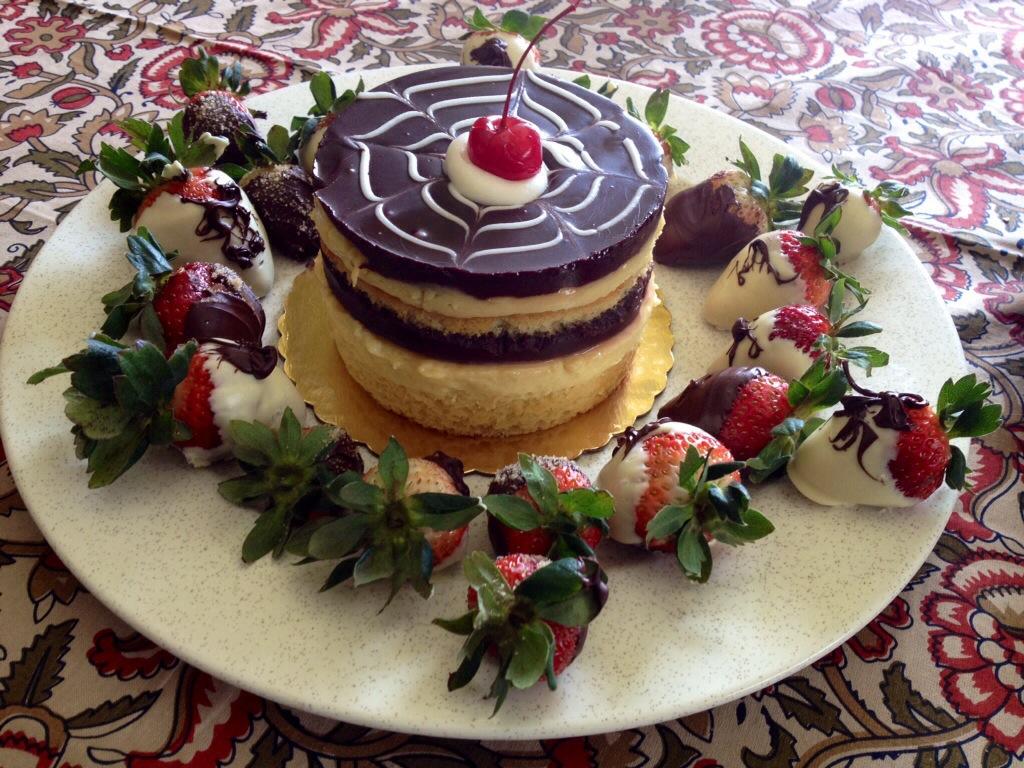 Dipped Strawberries Birthday Cake Ideas